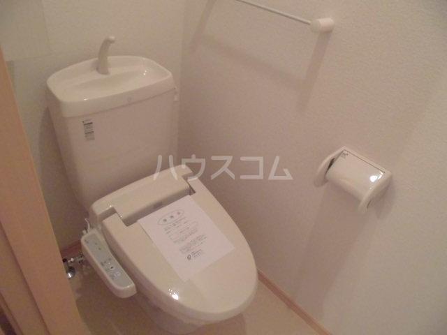 シャン・ド・フルール A 01040号室のトイレ