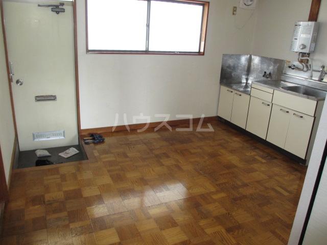 第一桐山ハイツ 203号室のキッチン