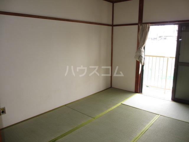 第一桐山ハイツ 203号室のリビング