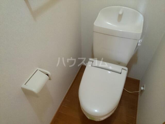 クレーデレ ドーノ ヨッシーⅡ 01020号室のトイレ