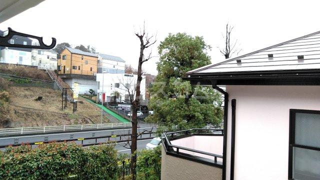 エトワール 201号室の駐車場