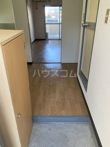 SKY ART HARA 102号室の玄関