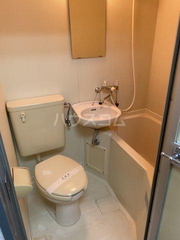 SKY ART HARA 102号室のトイレ