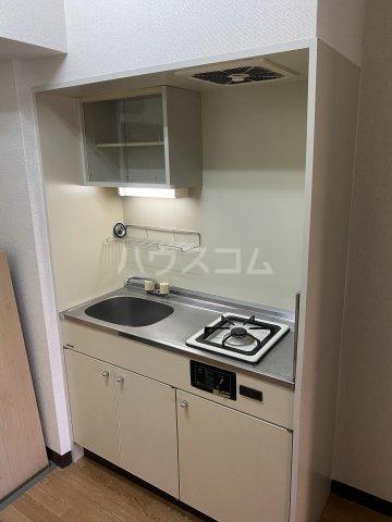 SKY ART HARA 102号室のキッチン