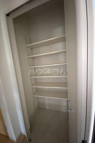ラ・フェリオ 01030号室の収納
