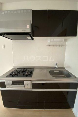 ラ・フェリオ 01030号室のキッチン