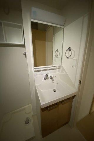 ラ・フェリオ 01030号室の洗面所