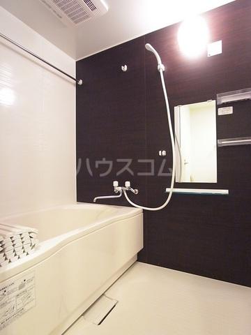 リブリ・アーク 306号室の風呂