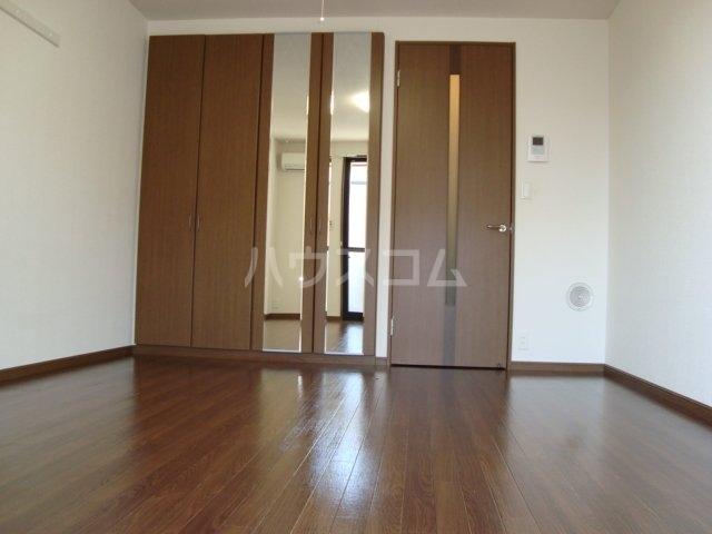 クリアーメゾン・J.BS 102号室の居室