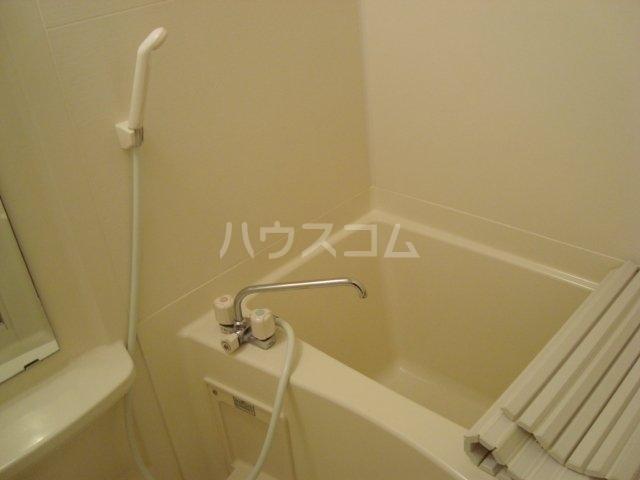 クリアーメゾン・J.BS 102号室の風呂