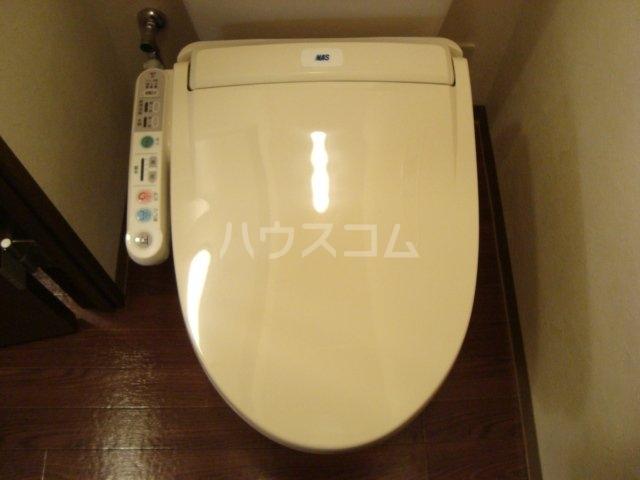 クリアーメゾン・J.BS 102号室のトイレ
