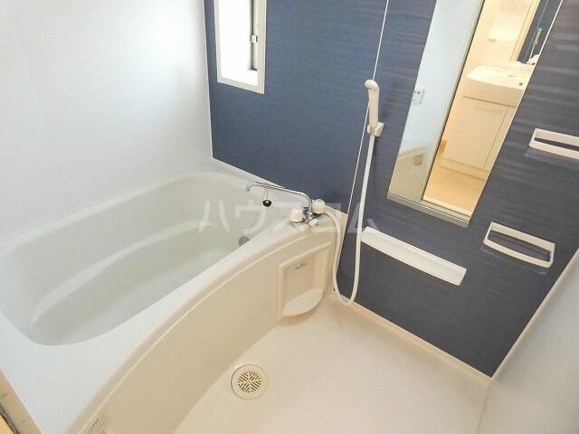 キュートレジデンスA 02020号室の風呂