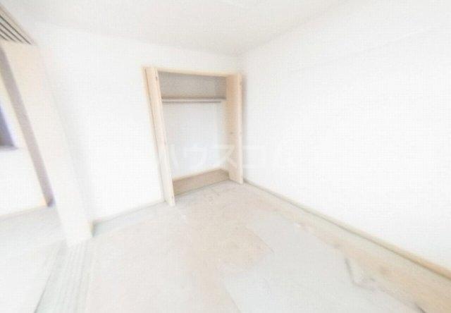 キュートレジデンスA 02020号室のリビング