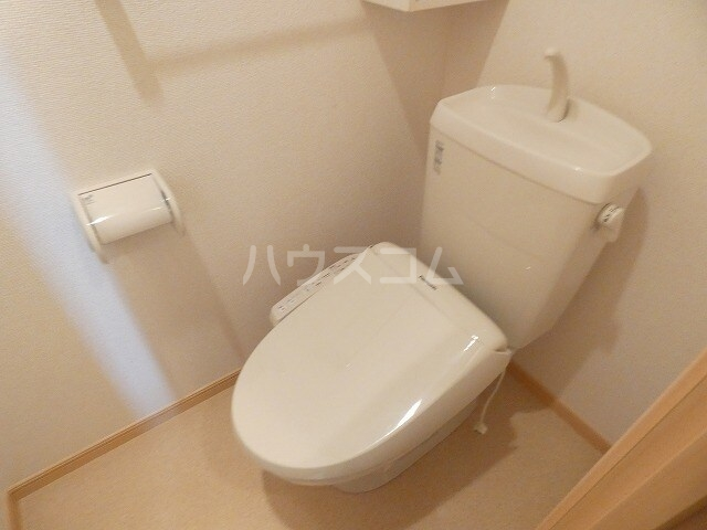 キュートレジデンスA 02020号室のトイレ