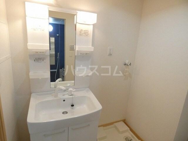 キュートレジデンスA 02020号室の洗面所