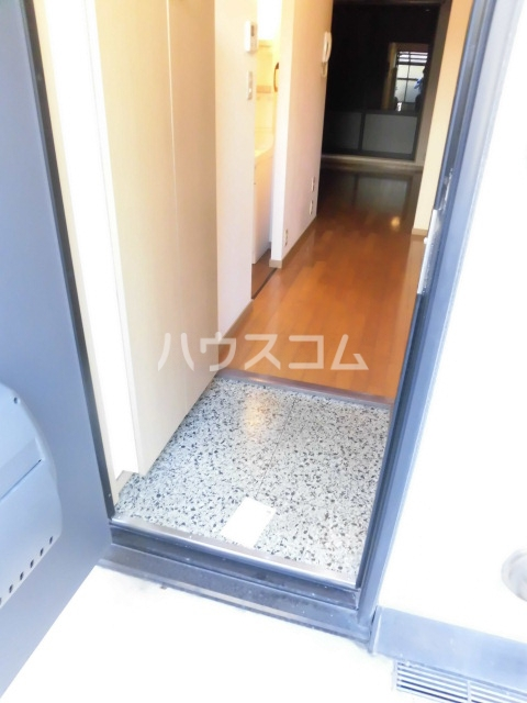 エスポワール 103号室の玄関