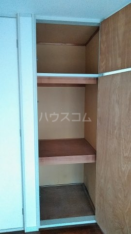 メゾン直希 1A号室の収納