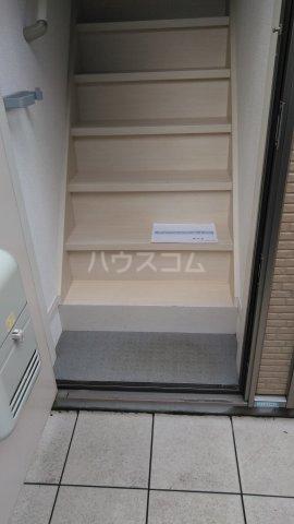 サークルハウス浮間壱番館 201号室の玄関