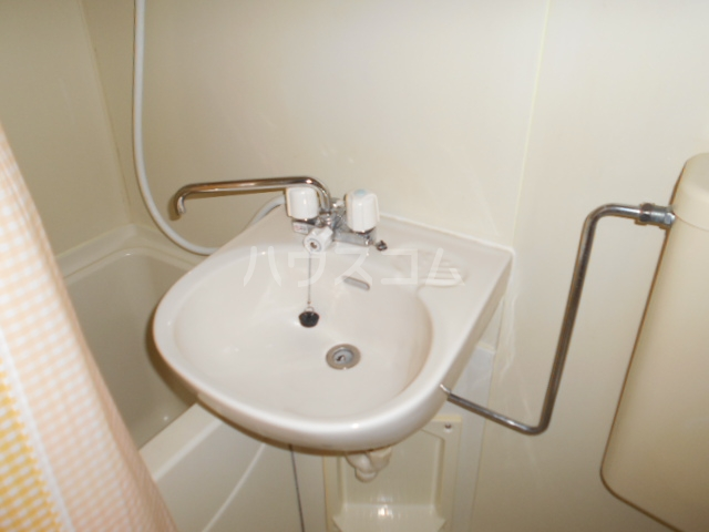 ティーアイハイム玉川 102号室の洗面所