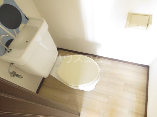 サンセリテ都 102号室のトイレ