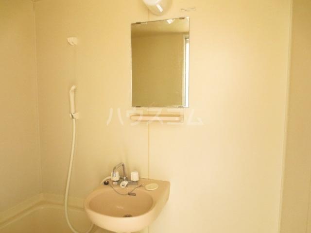 サンセリテ都 102号室の洗面所