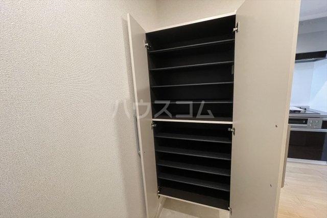 クレストコート 02020号室のバルコニー