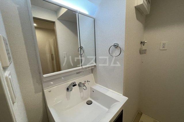 クレストコート 03020号室の洗面所