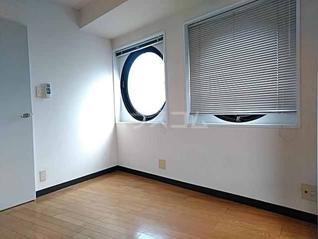 ドリームGビル 303号室のリビング