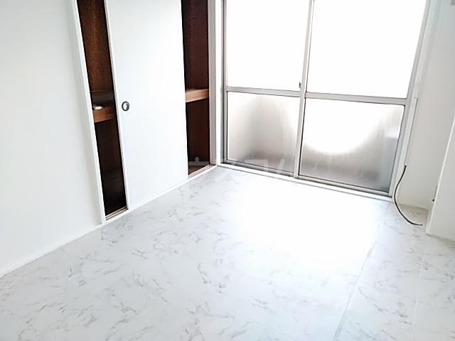 ニューシャトレーマンション 402号室のベッドルーム