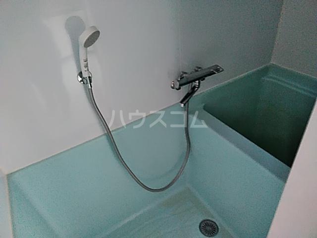 ニューシャトレーマンション 402号室の風呂