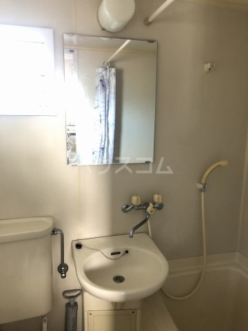 鈴木邸 3F号室の洗面所