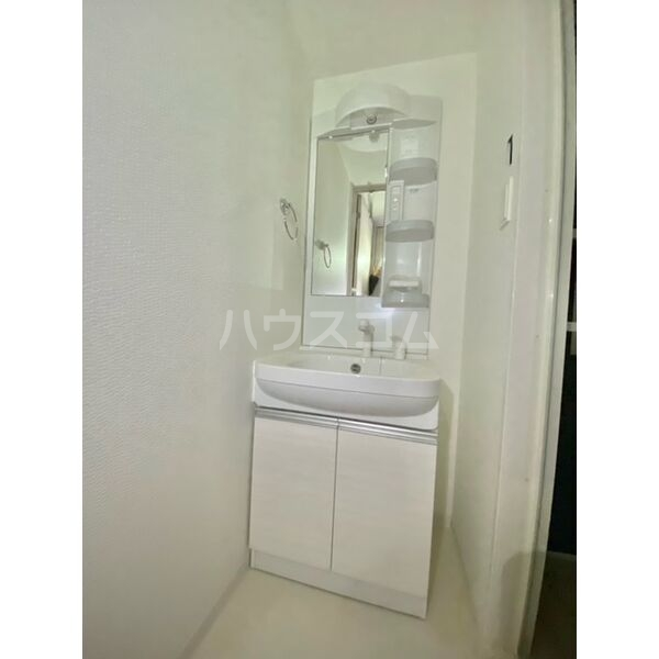 S-RESIDENCE葵II 806号室の洗面所