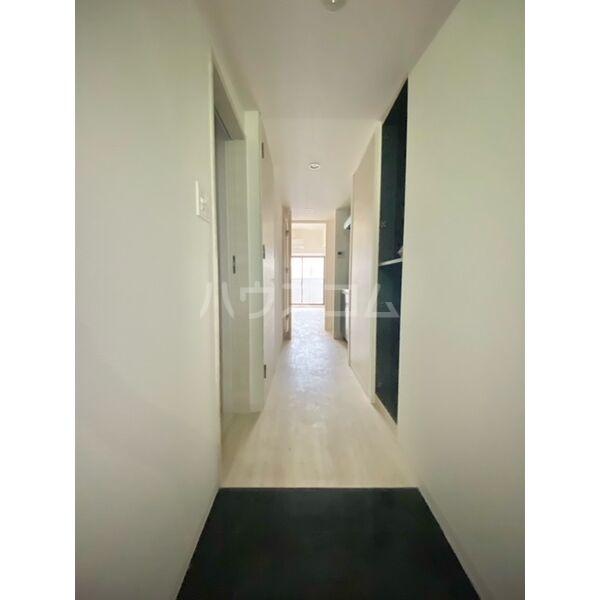 S-RESIDENCE葵II 806号室の玄関
