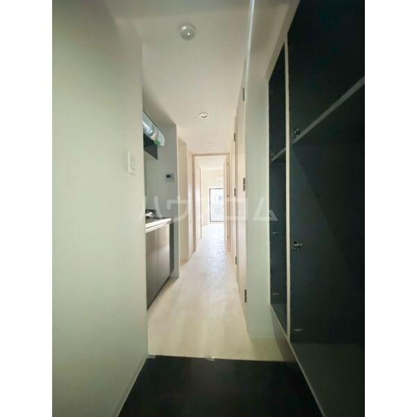 S-RESIDENCE葵II 807号室の玄関