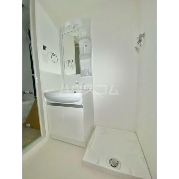 S-RESIDENCE葵II 807号室の洗面所