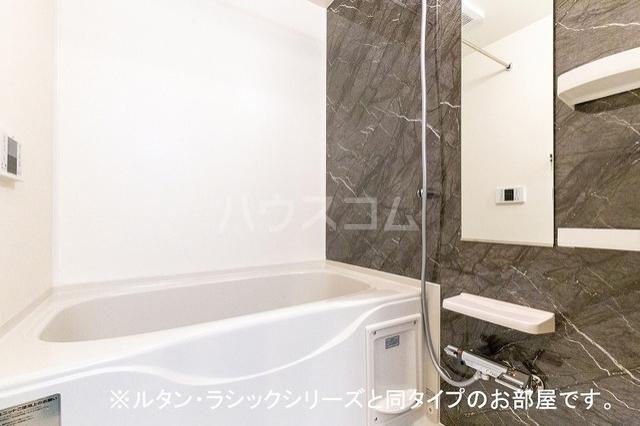 NINA 館 Ⅱ 01010号室の風呂