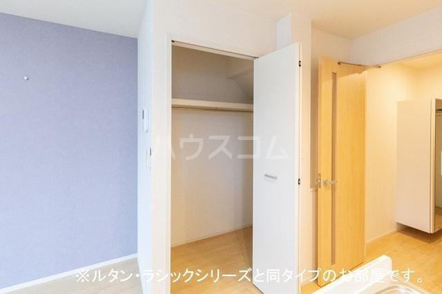 NINA 館 Ⅱ 01010号室の収納