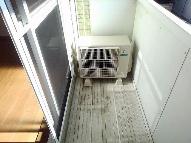 プレシャスコートA 02010号室のバルコニー