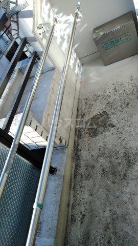パルフェ・ド・ステージ 205号室のバルコニー