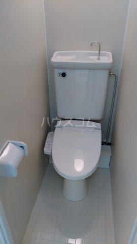 パルフェ・ド・ステージ 205号室のトイレ