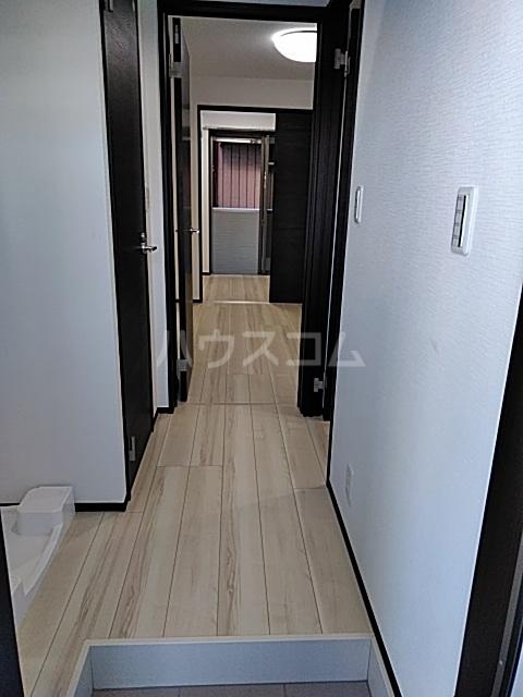 グランディール 103号室の玄関