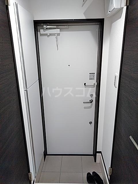 グランディール 104号室の玄関