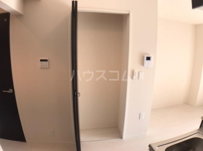 ディモア・ピアッツァ 103号室の玄関
