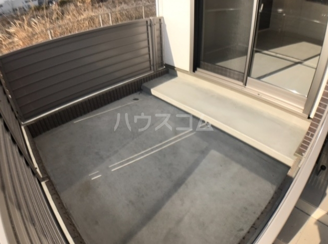 ディモア・ピアッツァ 103号室のバルコニー