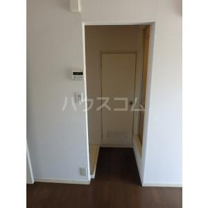 エレガント鬼塚Ⅰ 102号室の玄関