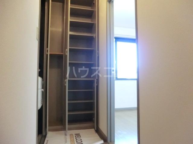 セジュールソフィアⅠ 205号室の玄関