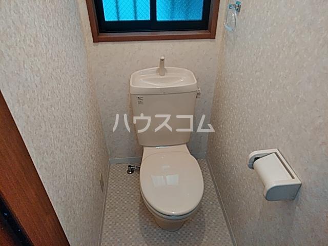 リトルリバー 102号室のトイレ