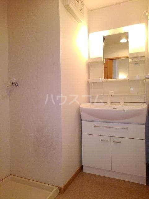 プリムローズK・Ⅱ 02020号室の洗面所