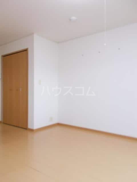 プランドールB 01020号室のリビング