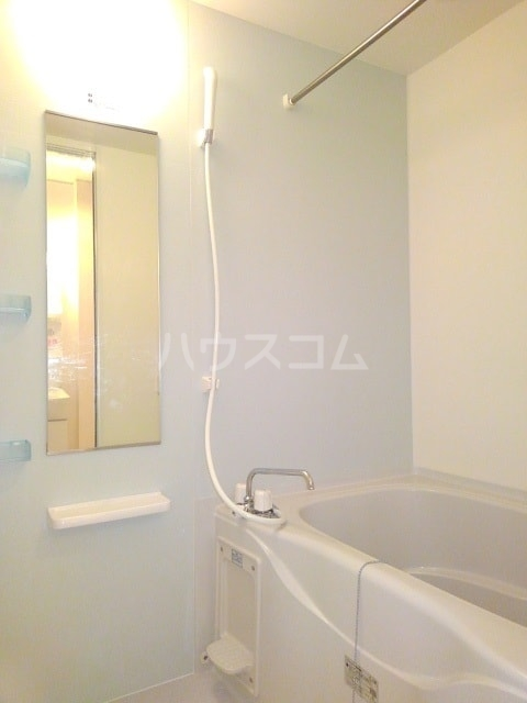 モンターニュ ドゥ 01030号室の風呂